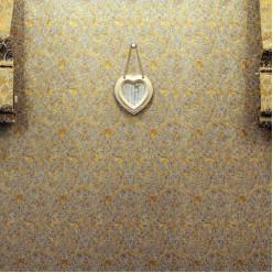 Фото рамка в форме сердечки в винтажном стиле