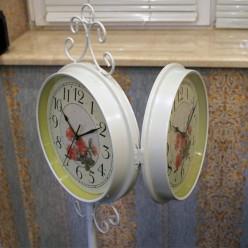 Белые напольные часы двухсторонние