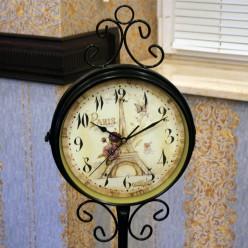 Черные напольные часы двухсторонние