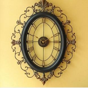 Divar saatı antik stil