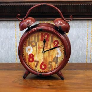 Настольные часы красная