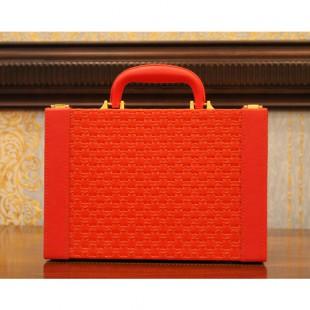 Шкатулка чемодан
