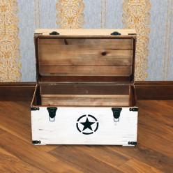 Белый деревянный сундук со звездой - маленький
